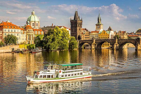 Visiter Prague et réviser son brevet