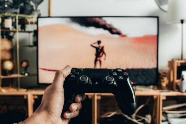 Apprendre avec YouTube et les jeux vidéo, est-ce réellement possible ?